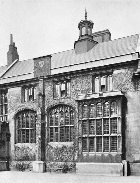 Bay Window「Charterhouse. Exterior Of Hall」:写真・画像(11)[壁紙.com]
