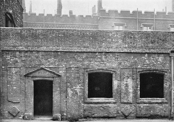 Circa 14th Century「Charterhouse. Exterior Of Cloister Alley」:写真・画像(14)[壁紙.com]