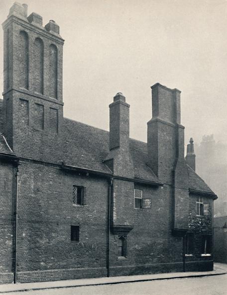Circa 14th Century「Charterhouse. Wash-House Court」:写真・画像(9)[壁紙.com]