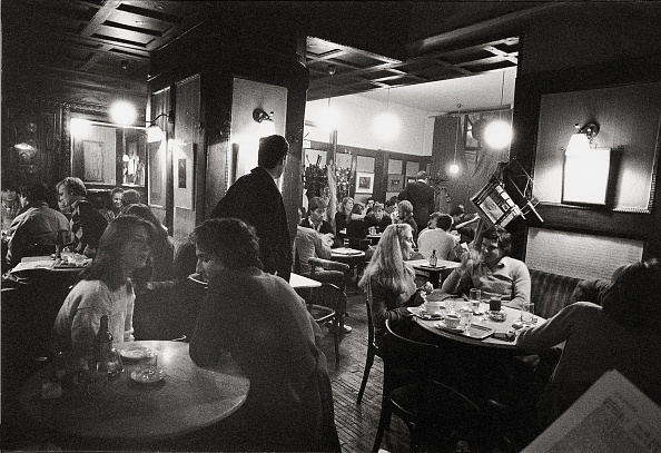 Coffee Table「Inside view of Cafe Hawelka in Vienna, Photograph, Around 1982」:写真・画像(16)[壁紙.com]