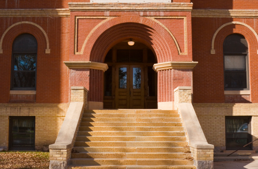 High Up「Old Brick School Building Exterior Front Entrance Door and Steps」:スマホ壁紙(8)