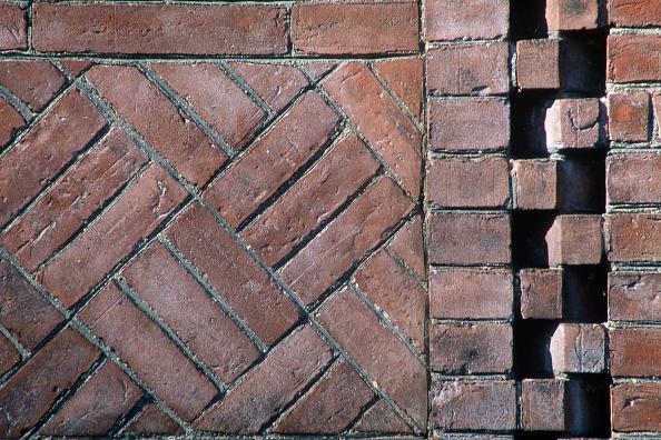 Brick Wall「Decorative wall detail. Sever Hall. Harvard University, Massachussetts, USA.」:写真・画像(11)[壁紙.com]