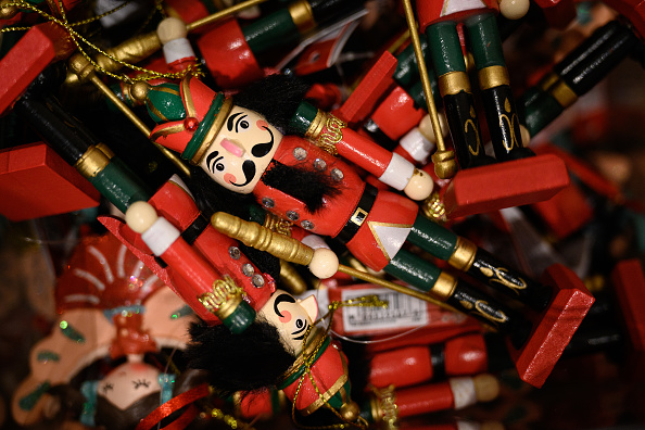 Christmas Present「British Retail Consortium Urge Shoppers To Buy Early For Christmas」:写真・画像(3)[壁紙.com]