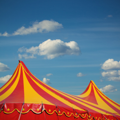Circus Tent「The circus comes to town」:スマホ壁紙(1)