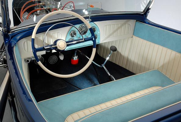 Bench「Coffee Grinder 1930 Ford A Custom Car」:写真・画像(16)[壁紙.com]