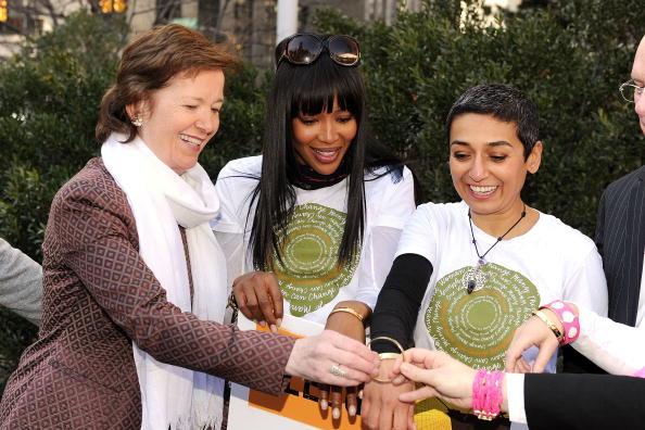 "Suspension Bridge「Women For Women International Host ""Join Me On The Bridge"" Global Campaign」:写真・画像(10)[壁紙.com]"