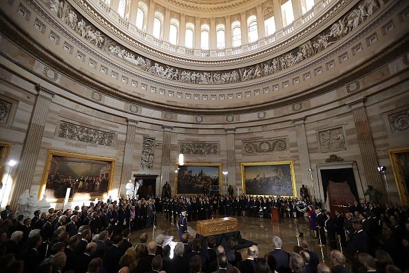 Preacher「Rev. Billy Graham Lies In Honor In U.S. Capitol Rotunda」:写真・画像(11)[壁紙.com]
