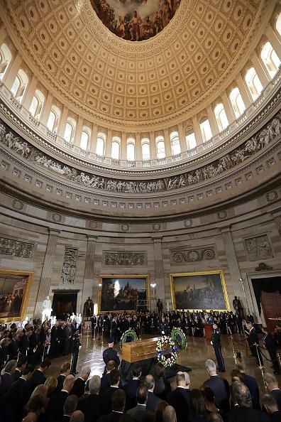 Preacher「Rev. Billy Graham Lies In Honor In U.S. Capitol Rotunda」:写真・画像(10)[壁紙.com]