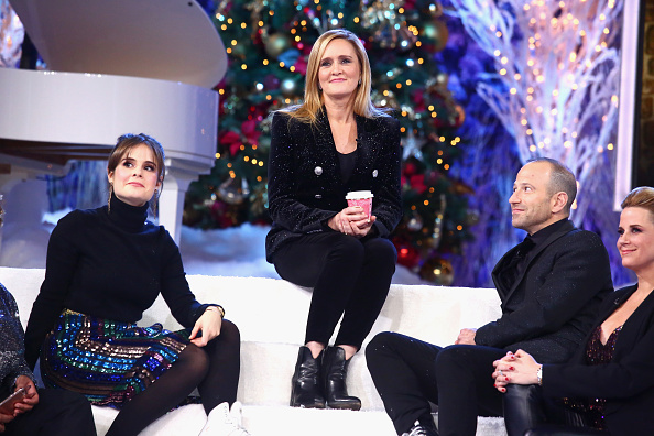 Front View「Full Frontal With Samantha Bee Presents Christmas On I.C.E.」:写真・画像(12)[壁紙.com]