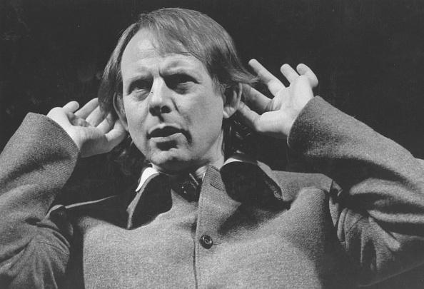 Ear「Stockhausen」:写真・画像(2)[壁紙.com]