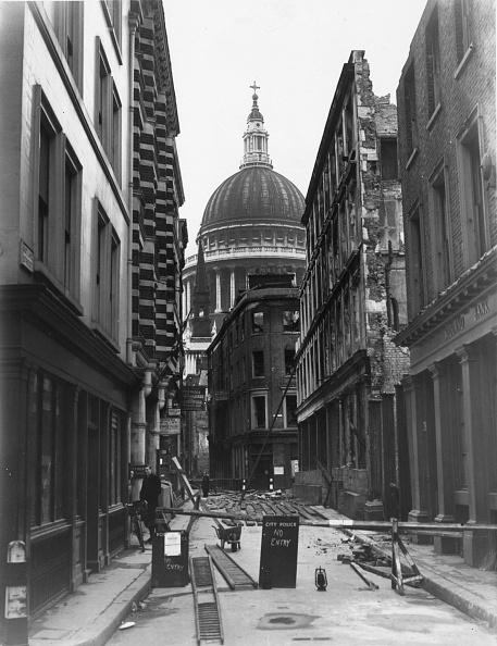 Roped Off「Cheapside Bomb Damage」:写真・画像(18)[壁紙.com]