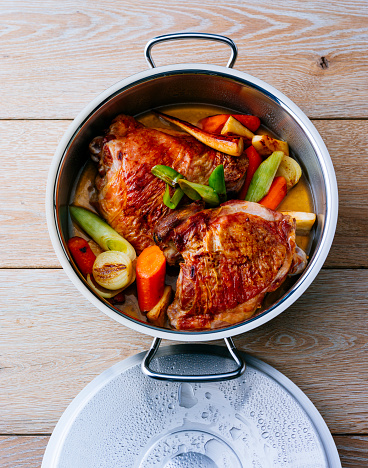 Preparing Food「Pot of turkey with vegetables」:スマホ壁紙(17)