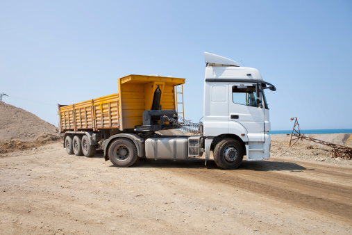 Construction Vehicle「dump truck」:スマホ壁紙(3)