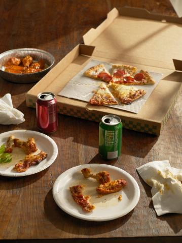 Slippery「Half-eaten pizza , Buffalo wings and sodas」:スマホ壁紙(9)