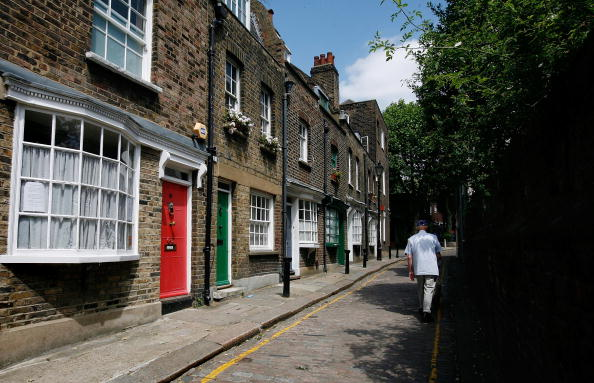 Front Door「Little Green Street Included In Worldwide Travel Book」:写真・画像(3)[壁紙.com]