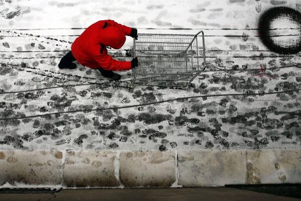 Sidewalk「Strong Winter Storm Bears Down On Northeastern US」:写真・画像(12)[壁紙.com]