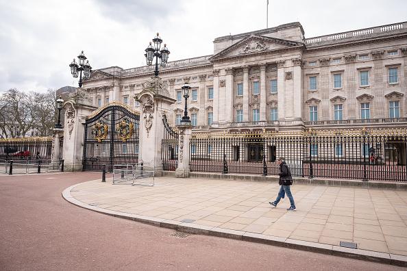 Buckingham Palace「UK On Lockdown Due To Coronavirus Pandemic」:写真・画像(19)[壁紙.com]