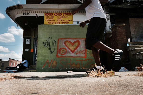 Crime「As Trump Puts Focus On Baltimore, Group Works To Bring Awareness To Recent Murders」:写真・画像(14)[壁紙.com]