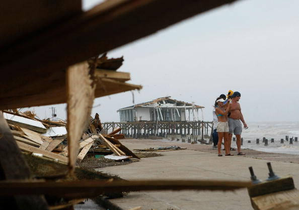 Hurricane Ike「Hurricane Ike Makes Landfall On Texas Coast」:写真・画像(7)[壁紙.com]