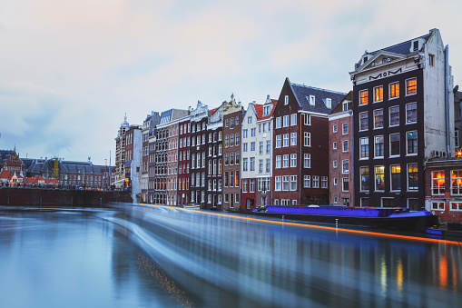 Amsterdam「Typical Dutch houses built by the canal, Amsterdam, Netherlands」:スマホ壁紙(12)