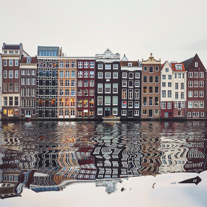 Amsterdam「Typical Dutch houses built by the canal, Amsterdam, Netherlands」:スマホ壁紙(5)