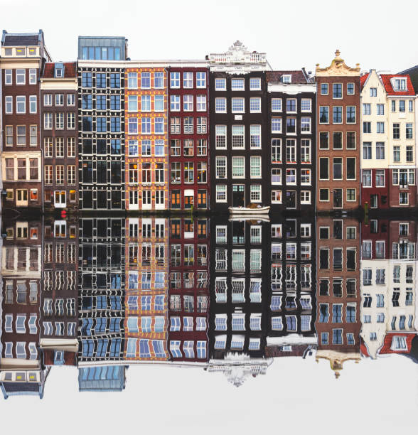 Typical Dutch houses built by the canal, Amsterdam, Netherlands:スマホ壁紙(壁紙.com)