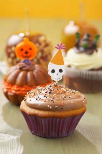 ハロウィン「Halloween cupcake」:スマホ壁紙(2)