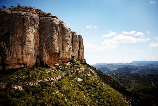Steep「Steep Cliff and Mountain Landscape, Catalonia, Spain」:スマホ壁紙(17)