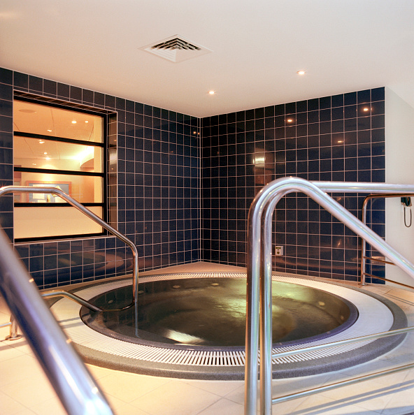 Shallow「Completed refurbishment, Cannons Health club, London」:写真・画像(10)[壁紙.com]