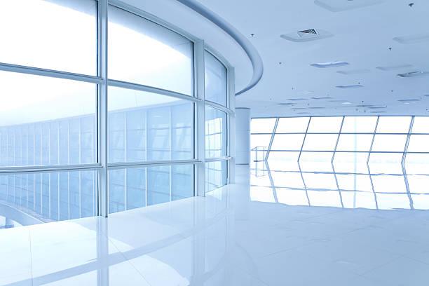 Futuristic, bright, empty white hallway:スマホ壁紙(壁紙.com)