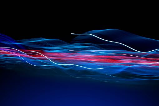 Internet「Futuristic Flowing Light Trail Communications」:スマホ壁紙(15)