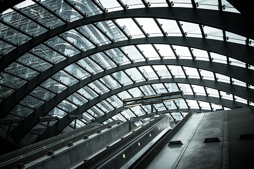 Vignette「Futuristic architecture at Canary Wharf, City of London, UK」:スマホ壁紙(11)