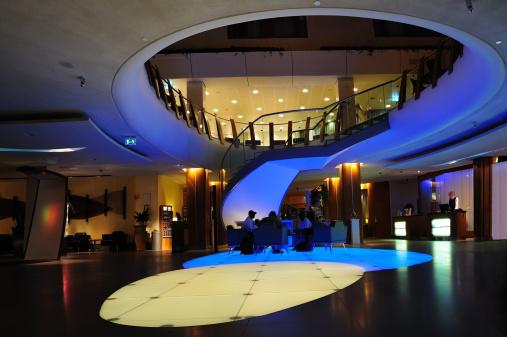 Hotel Reception「Futuristic hotel lobby」:スマホ壁紙(7)