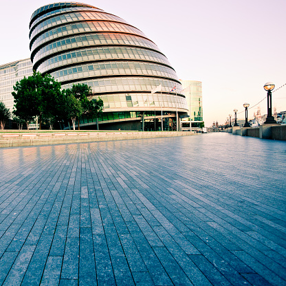 Square「未来的建築宮殿、City Hall in London」:スマホ壁紙(12)