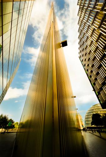 Unrecognizable Person「Futuristic financial buildings」:スマホ壁紙(10)