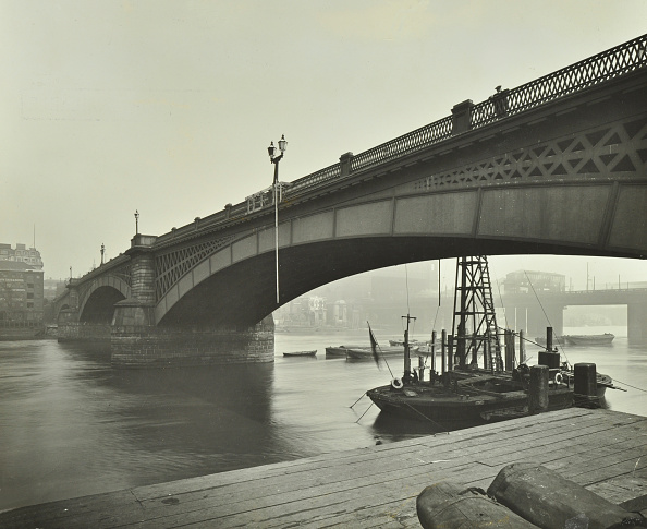 Physical Geography「Southwark Bridge Under Repair, London, 1913」:写真・画像(13)[壁紙.com]