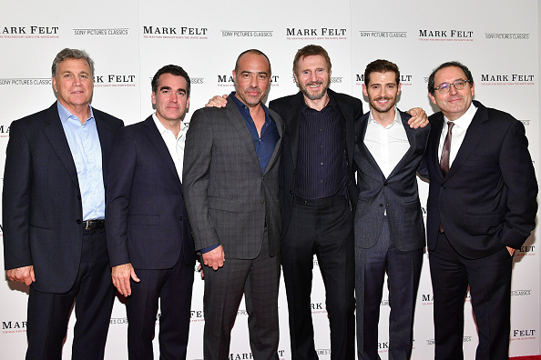 出席する「'Mark Felt The Man Who Brought Down The White House' New York Premiere」:写真・画像(8)[壁紙.com]