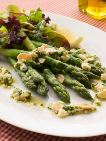 Vinaigrette Dressing「Asparagus Spears with Polonaise Vinaigrette and Salad Leaves」:スマホ壁紙(12)