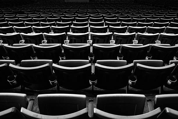 Rows of empty stadium seats:スマホ壁紙(壁紙.com)