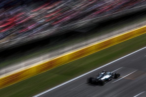 Speed「Lewis Hamilton, Grand Prix Of Spain」:写真・画像(19)[壁紙.com]