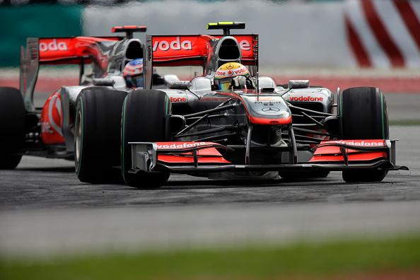 Malaysian Formula One Grand Prix「Lewis Hamilton, Jenson Button, Grand Prix Of Malaysia」:写真・画像(7)[壁紙.com]