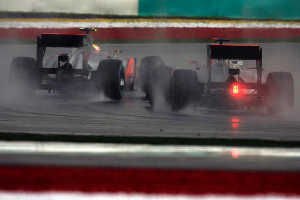 Malaysian Formula One Grand Prix「Lewis Hamilton, Jenson Button, Grand Prix Of Malaysia」:写真・画像(2)[壁紙.com]