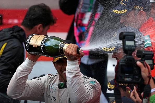 Spray「Lewis Hamilton, Grand Prix Of Monaco」:写真・画像(17)[壁紙.com]