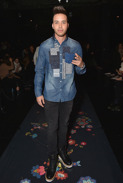 カメラ目線「Desigual - Front Row - February 2017 - New York Fashion Week: The Shows」:写真・画像(4)[壁紙.com]