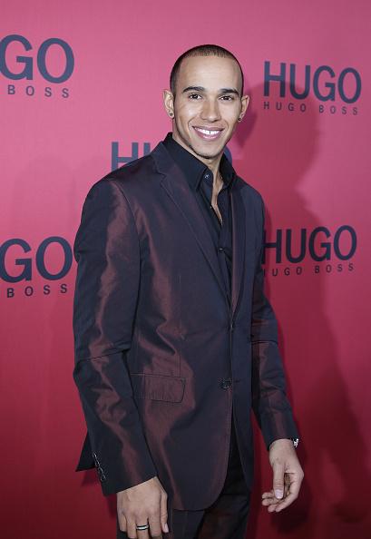 Lewis Hamilton - Racecar Driver「Hugo Boss Show - Mercedes Benz Fashion Week Autumn/Winter 2011」:写真・画像(3)[壁紙.com]