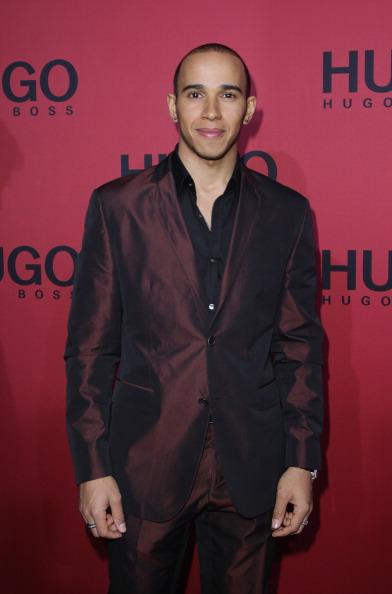 Lewis Hamilton - Racecar Driver「Hugo Boss Show - Mercedes Benz Fashion Week Autumn/Winter 2011」:写真・画像(5)[壁紙.com]