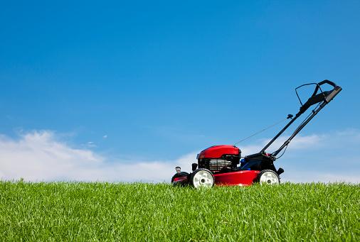 Lawn Mower「Lawn Mower in the Grass」:スマホ壁紙(0)
