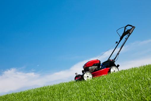 Tilt「Lawn Mower in the Grass」:スマホ壁紙(7)