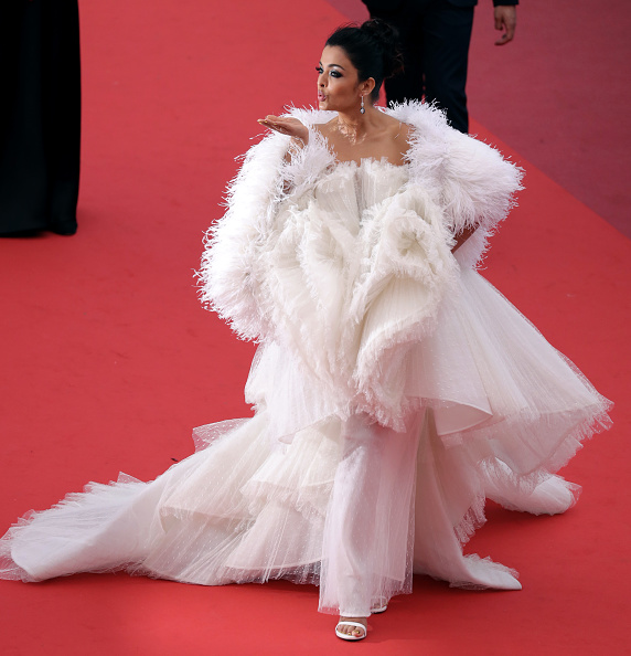 "Aishwarya Rai「""La Belle Epoque"" Red Carpet - The 72nd Annual Cannes Film Festival」:写真・画像(10)[壁紙.com]"