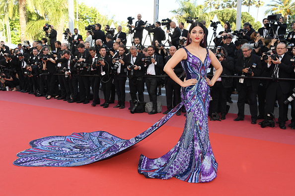 "Aishwarya Rai「""Girls Of The Sun (Les Filles Du Soleil)"" Red Carpet Arrivals - The 71st Annual Cannes Film Festival」:写真・画像(3)[壁紙.com]"